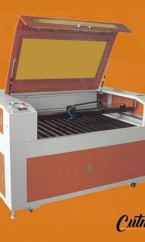 CNC laser acrílico